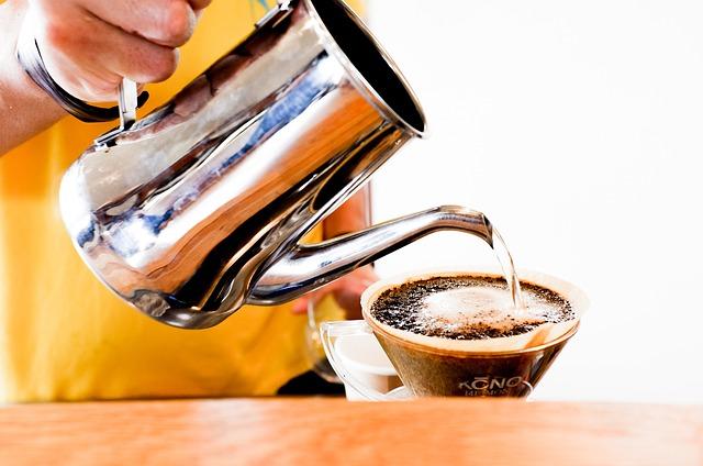 zalévání kávy