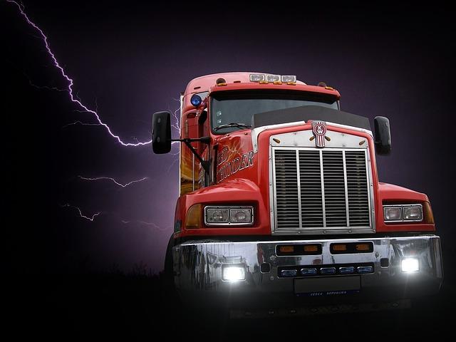 transformer-1566507_640